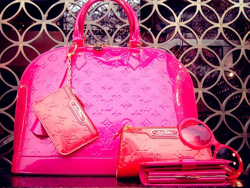 Google Image Result for http://www.loveitsomuch.com/uploads/201203/29/louis%2520vuitton%2520pink%2520bag-f27508.jpg