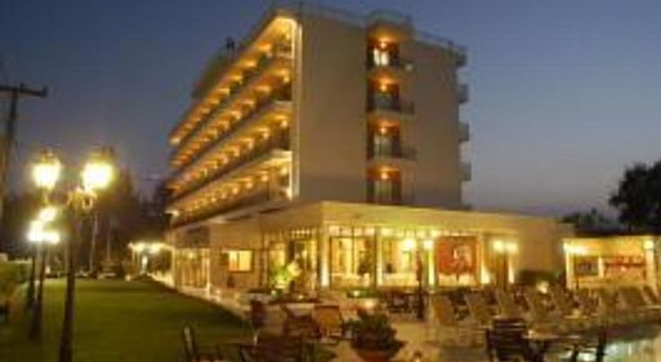 Santa Beach Hotel Agía Triás This seaside hotel is situated by the blue-flag Galaxias beach,19 km from Thessaloniki and 9 km from Macedonia Airport between the Nei Epivates and Agia Triada villages.
