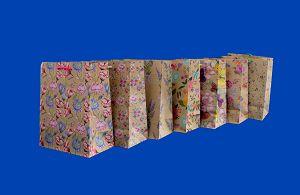 Купить бумажные пакеты Крафт в Краснодаре   http://upakmarket.com/novosti/kupit_bumazhnye_pakety_kraft_v_krasnodare_358/ ... Группа компаний «Upakmarket» предлагает потенциальному клиенту купить бумажные пакеты Крафт в Краснодаре оптом. Мы предлагаем крупный или средний опт. Это сделает вашу покупку более доступной, а клиентов - счастливыми. Если у вас есть вопросы, то озвучьте их нашим специалистам по продажам. Воспользуйтесь услугой доставки собственным специализированным транспортом…