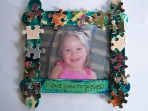 CraftsFrames Mothers Day Projects, Crafts Ideas, Mothers Day Frames Ideas, Frames Crafts, Gift Ideas, Kids Crafts, Puzzle Pieces, Puzzles Piece, Pictures Frames