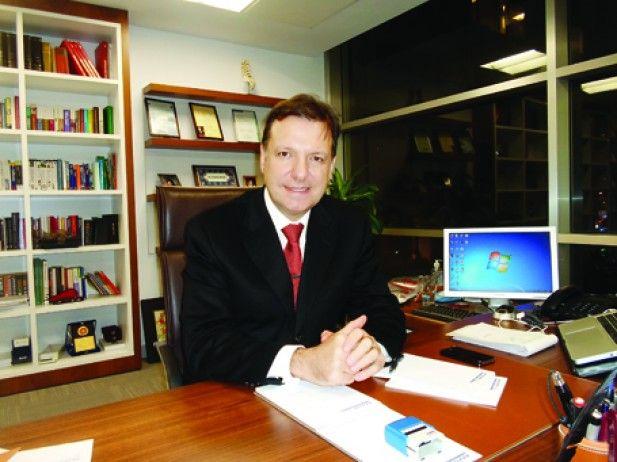 Op. Dr. Aybars Akkor