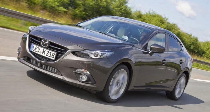 El El Mazda 3 SportSedan es una berlina de dimensiones compactas, con cuatro puertas que comparte diseño, motores y equipamiento con el Mazda 3 de 5 puertas, y cuesta unos 500 € más que este último. Se presenta como un pequeño Mazda 6, más modesto y casi 30 centímetros más corto.