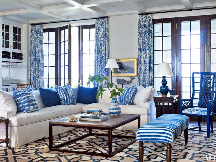 Love this blue& white home by Suzanne Kasler ans L  es Coleand and LOVE Maine.  Compound on the Coast of Maine transformed.  Patterson Flynn for Schumacher rug, Kravet sectional, wisteria ottoman