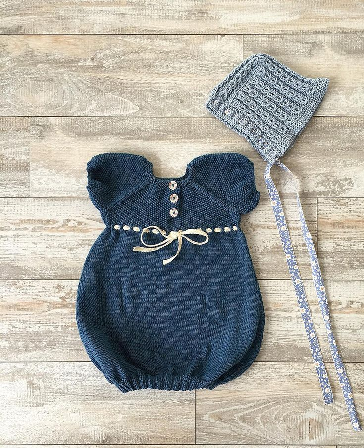 «Pumpkinpie dress and cutiepie bonnet #bonnet #instaknit #kyse #ull #wool #strikk #strikking #strikkedilla #strikktilbarn #knits #knitting #knitsforkids…»