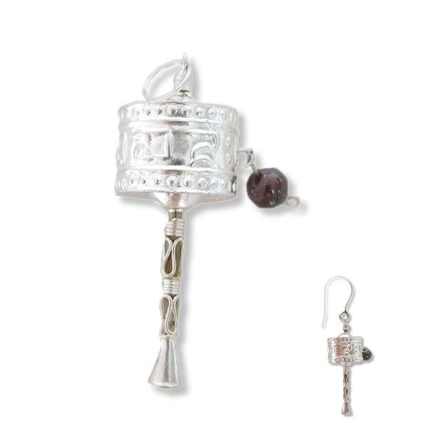 Himalayan Treasure | Fijn zilveren hangertje, oorbel of bedel | Studio Art Style | Hanger | handmade | Nepal