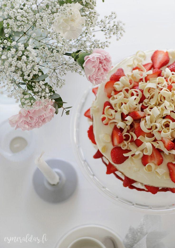 Kakku kruunaa kevään juhlat | Esmeralda's