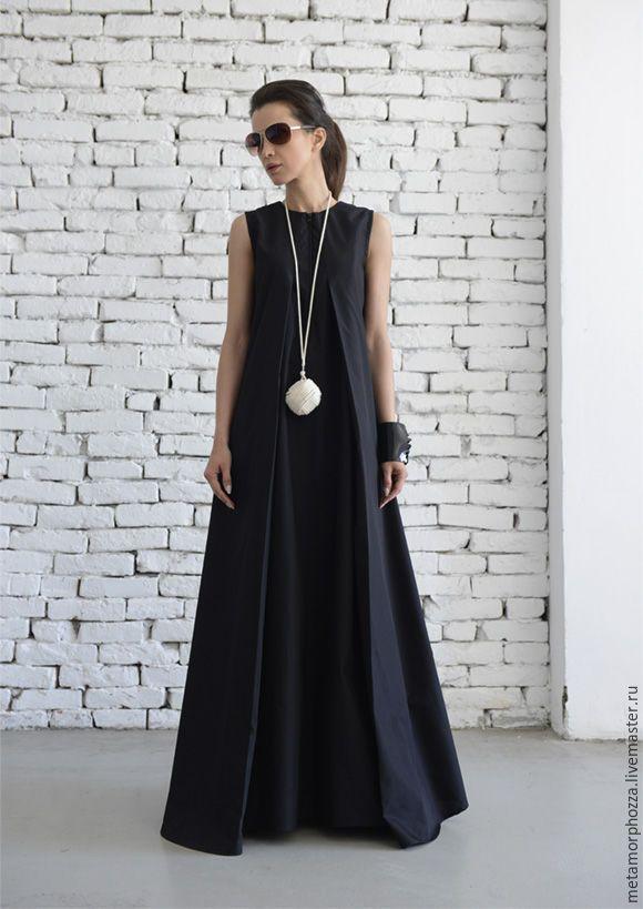 Купить или заказать Черное платье в пол, черный сарафан в интернет-магазине на Ярмарке Мастеров. Вы полюбите это восхитительное платье – такое стильное и модное, при этом подходит любому возрасту и размеру! Супер легкая материя высшего качества, которую очень удобно носить – мечта каждой девушки! Свободный покрой платья подходит любому типу фигуры, а молния добавляет оригинальных штрих спереди. Эту красоту легко сочетать с различной обувью и аксессуарами ;) XS: Бюст= 84см/ Талия&#x3...