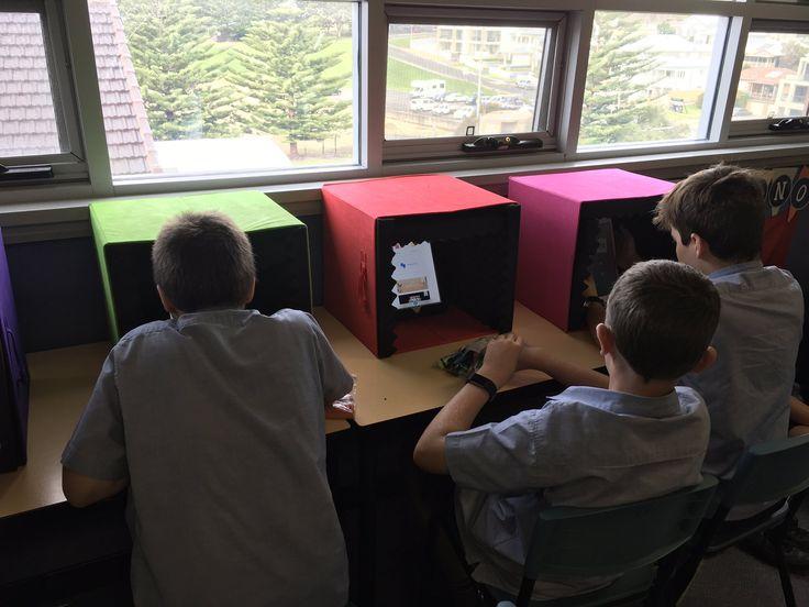 """The S3B iPad audiovisual centre!#ipadrecordingbooths #greenscreen @PaulHamilton8 @DoInkTweets @mrsmiths56class @edtechteam @AppleEDU"""