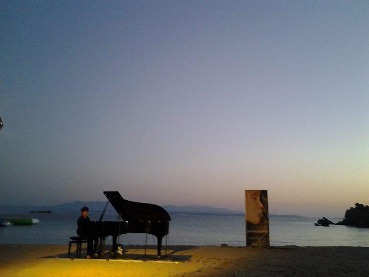 Terza giornata di Musica sulle Bocche ed il concerto all'alba di Enrico Zanisi sulla spiaggia di Rena Bianca