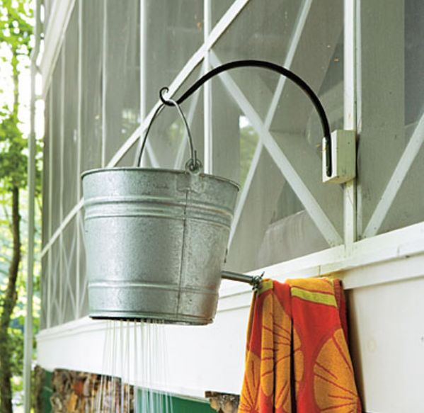 I don 39 t need an out door shower but cute exteriors for Outdoor shower doors