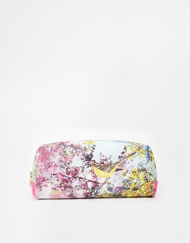 Ted Baker Pretty Trees Wash Bag #accessories #offduty #covetme #tedbaker #makeup #beauty