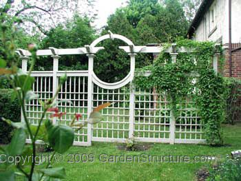 Trellis fence for climbing vines - detailed instructions