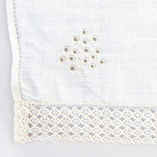 toalla de acristianar bordada a mano