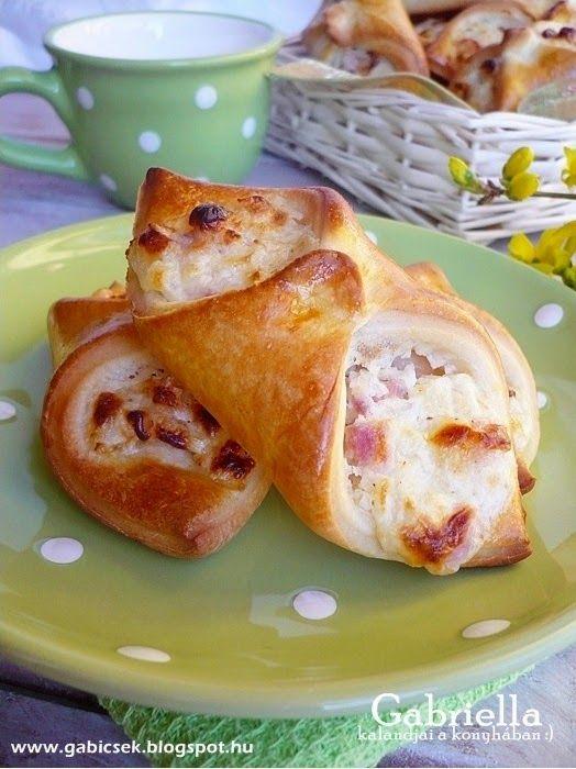 Gabriella kalandjai a konyhában :): Sonkás-sajtos-tejfölös papucs