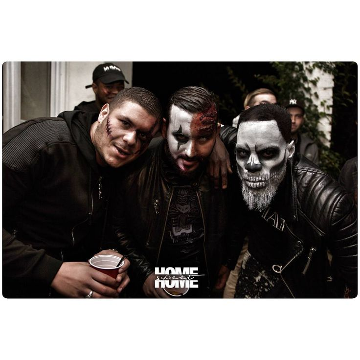 Home Sweet Home  Le Manoir Halloween Party MONSTERS  @viinkedutexas en mode terrifiant!  pict by @vincent_hammouche_photo  #homesweethome #hsh #party #friends #chill #food #drink #chichas #hookah #showcase #music #tattoo #ink #barber #monster #deguisement #garden #sound #picture #photography #art #2k17 #paris #fromthesky #homers #live #black #lemanoir #halloween #makeup