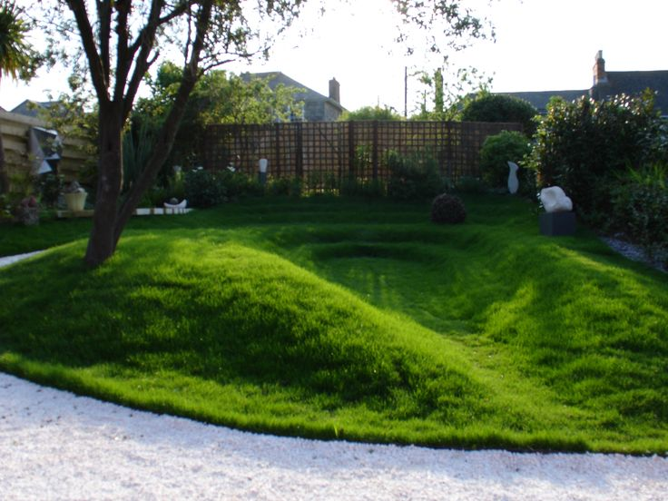 Earth works sculpture & garden...