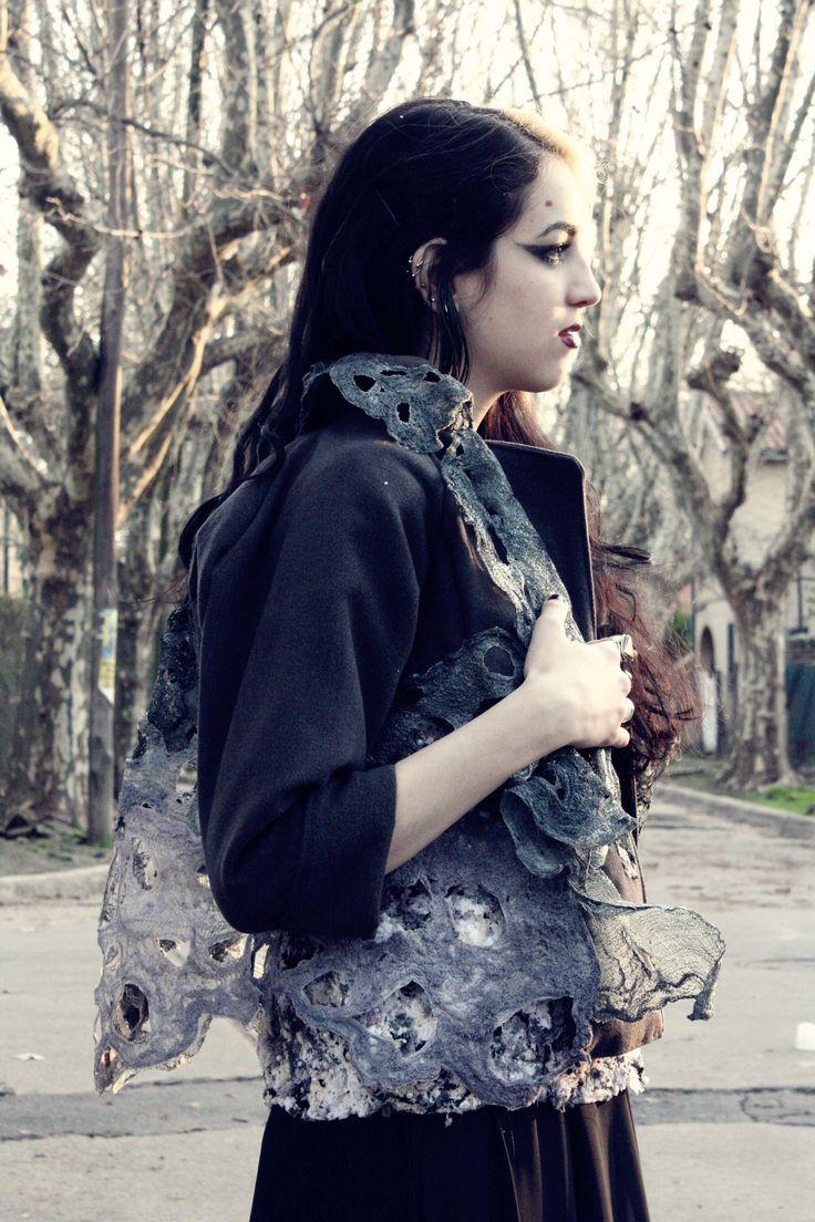 Saco realizado con texturas de modal y jersey reciclados