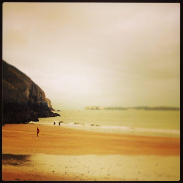 Skrinkle Haven. Wales.