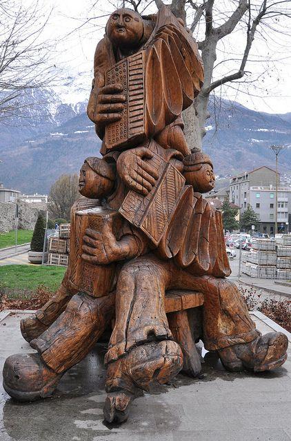 RK:wood sculpture   Flickr - Photo Sharing!