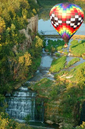 Buy A Balloon Ride .com - Galena On The Fly - Hot Air Balloon Rides over Galena Illinois and Jo Daviess County IL.