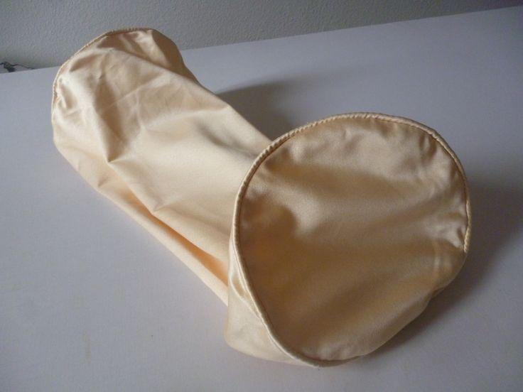 17 meilleures id es propos de traversin sur pinterest coussins oreillers coudre et vieux. Black Bedroom Furniture Sets. Home Design Ideas