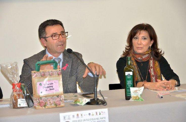 Benedetto Miscioscia e Ottavia Matera con il Panettone all'olio extravergine di oliva di Coratina