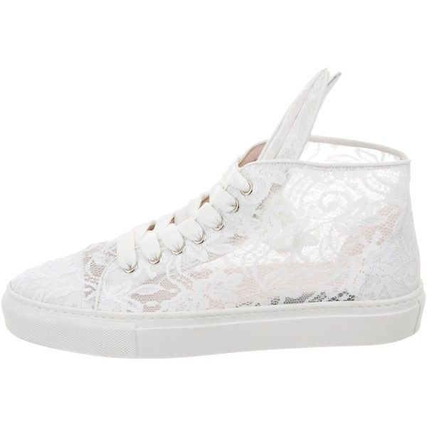 Pre-owned Minna Parikka Lace Bunny Sneakers ($125) ❤ liked on Polyvore featuring shoes, sneakers, white, white hi top sneakers, lace up sneakers, lace up shoes, white hi tops and white trainers