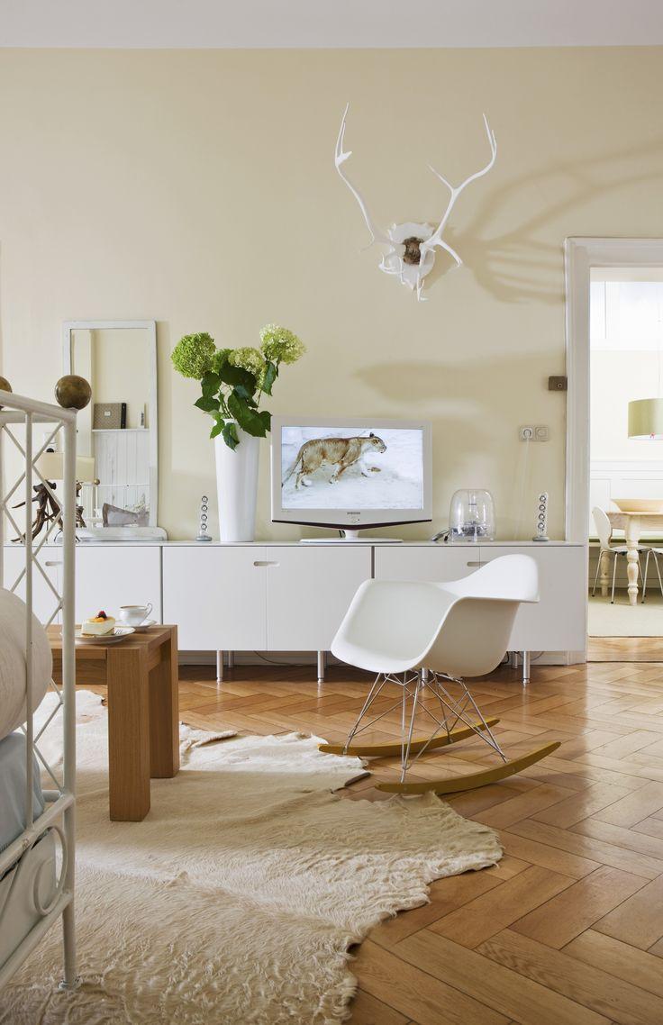 """Para criar o """"efeito ilha"""" na sala de estar é preciso ter espaço"""