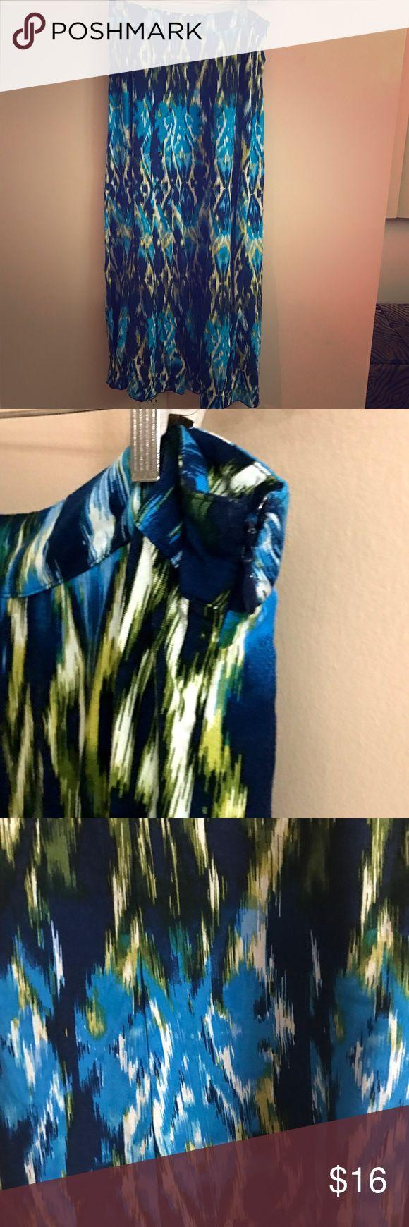 Blue & Green Aztec Design Long Maxi Skirt small Blue, White & Green Aztec Design Long Maxi Skirt size small like new Apt. 9 Skirts Maxi