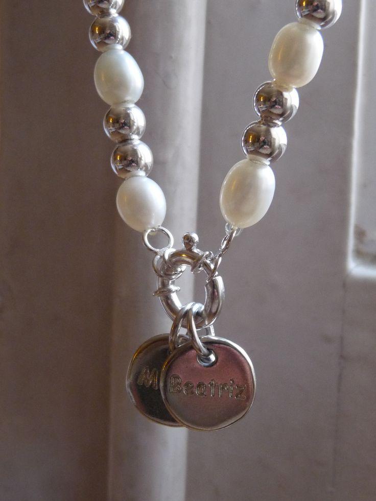 MOD. CHARITO con perla ovalada