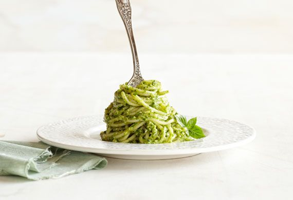 Basil walnut pesto spaghetti recipe - 9Kitchen