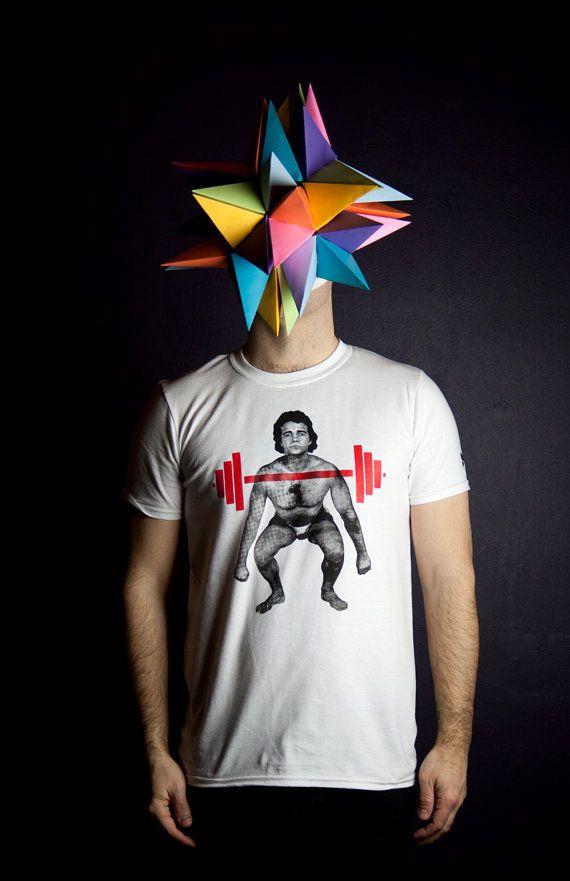 T-shirt Haltérophile déphasé Homme Moustache par MoustacheMoutarde