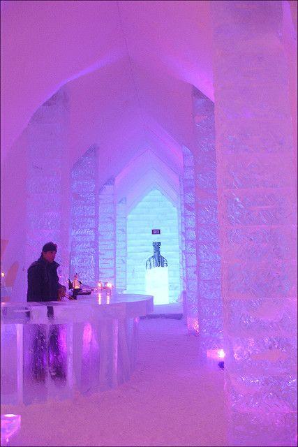 La barra en Hotel de Glace - Ciudad de Quebec. El único hotel de hielo de Norteamérica