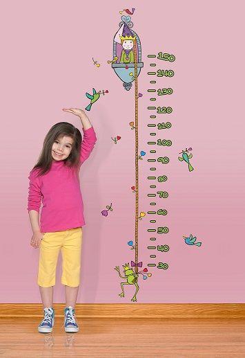 """""""Il metro principessa"""" è lo sticker colorato e divertente che accompagnerà la crescita del tuo bambino aiutandoti a tenere sotto controllo la sua altezza e personalizzando con stile qualunque ambiente!"""