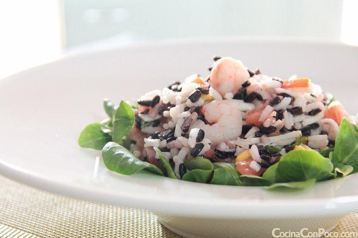 En casa nos encanta el arroz, y ahora en verano la ensalada de arroz no falta en casa.En esta receta he usado arroz largo y arroz variedad black, este ultimo es mas duro y necesita casi 50 minutos…