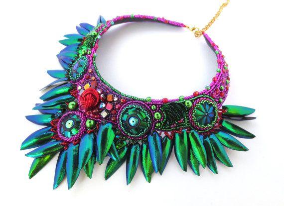de verklaring van de Emerald necklace kever vleugels, emerald necklace, boho chique ketting, tribal verklaring ketting, bohemian ketting, ethno chique