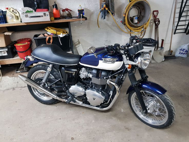 20171016 My customized 2010 Bonneville SE parked for the winter
