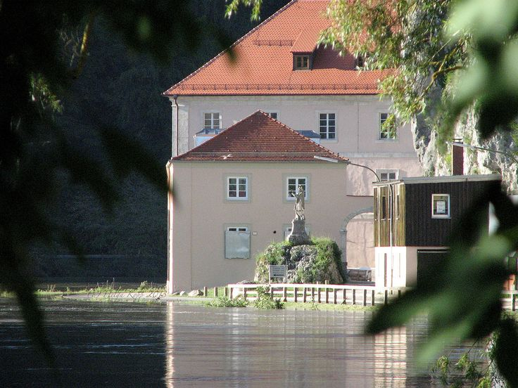 vom Hochwasser heimgesucht