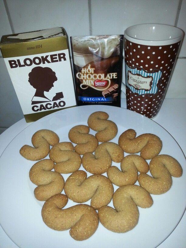 Leter di pinda.. heerlijk bij een kop warme chocolademelk. .. kunnen we wel gebruiken deze zomer  ;)
