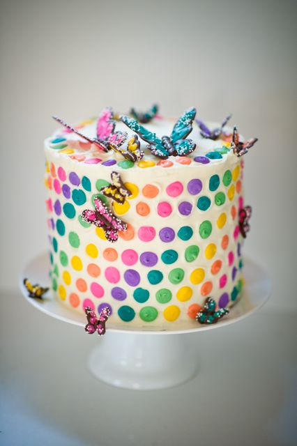 rainbow butterfly wedding cake 1060 best cupcakes cakes w butterflies images on 18957