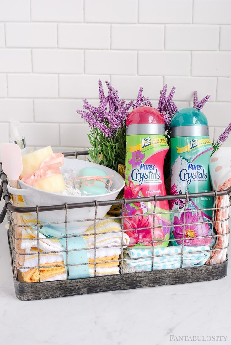 DIY Housewarming Gift Basket Ideas: Love how it includes things that you need right when moving in, to help out! Plus a little decor to make it homey! #PurexCrystalFresh #ad