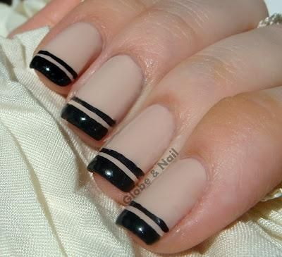 Double French Tip nude and black nails