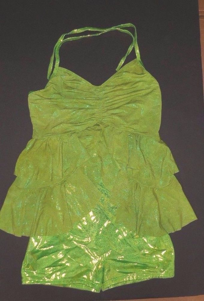 Tinkerbell s dress color optical illusion