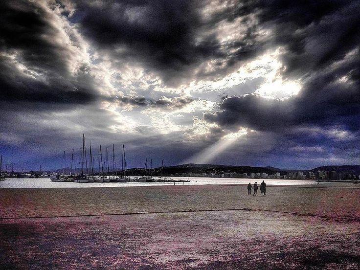 #Repost  Thanks! @dccarol  Capvespre a Palamós!!! #capvespre #postadesol #nuvols #clouds #momens #lespetitescoses #baixemporda #costabrava #catalunya #catalonia #palamosonline #palamos #palamós