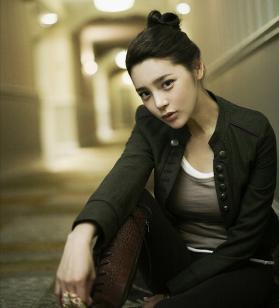 very pretty Korean actress