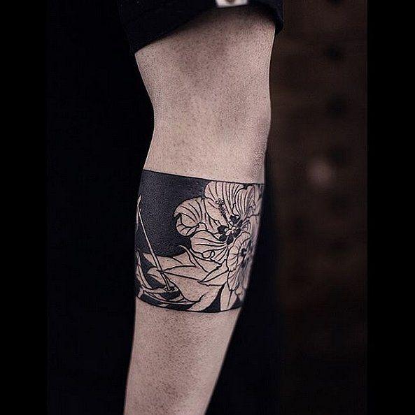 innen schwarz überdecken, außen in weiß mit schwarzen konturen sukkulente oder rose
