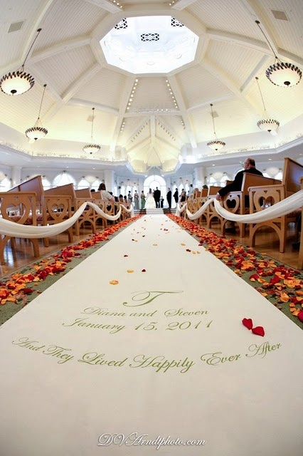 Disney Wedding At The Wedding Pavillion Near Disneys Grand Floridian Resort And Spa Walt
