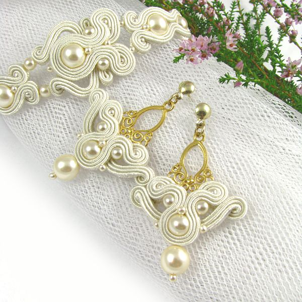 #bridalEarrings #bride #embroidery #pearls #ivory #cream #golden #set #wedding www.pillowdesign.pl