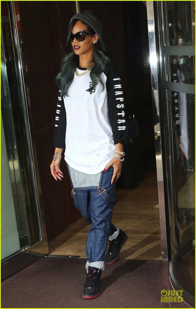 #Rihanna wearing #AirJordan 1 Retro 93