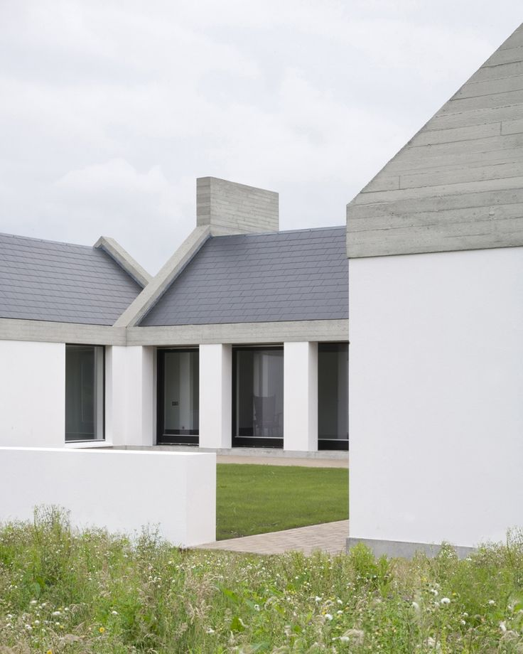 Leagaun House in Galway by Ryan W. Kennihan Architects.